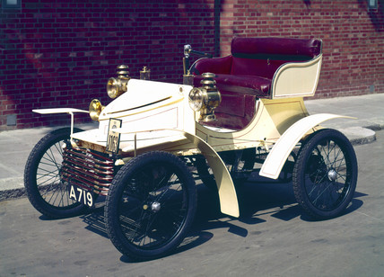Vauxhall 5 hp motor car, 1903.