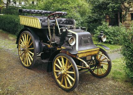 Daimler motor car, 1899.
