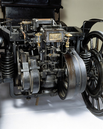 Daimler-Maybach motor car, 1895.