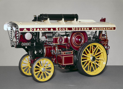 Fowler 10 hp Supreme Showman's steam traction engine, 1933.