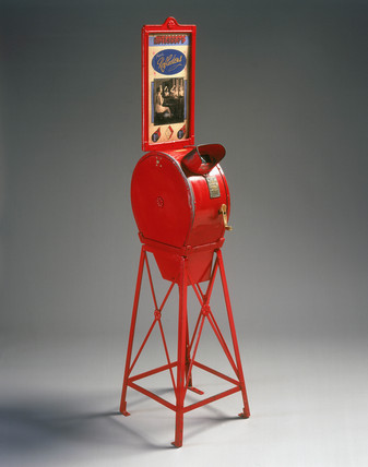 Amusement arcade mutoscope, c 1910.