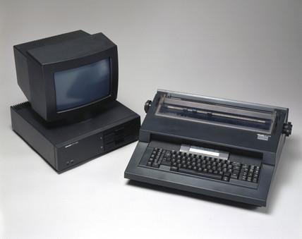 Olivetti ET225/ETV 300 Word Procesor System, c 1984.