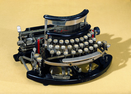 Imperial Model B typewriter, 1915.