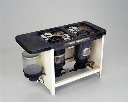 Veritas-Atmos paraffin cooker, c 1930.