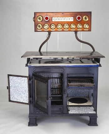 Carron electric cooker, c 1912.