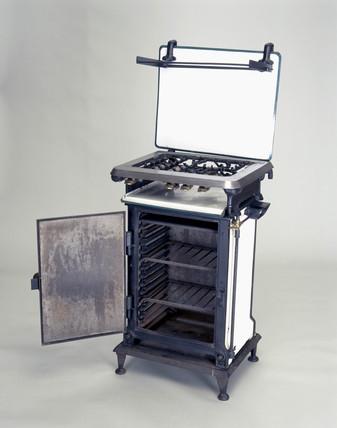 No 2 'Standard' gas cooker, National Gas Council design, 1927.
