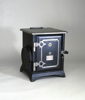 GEC 'Beeton' electric cooker, 1906.