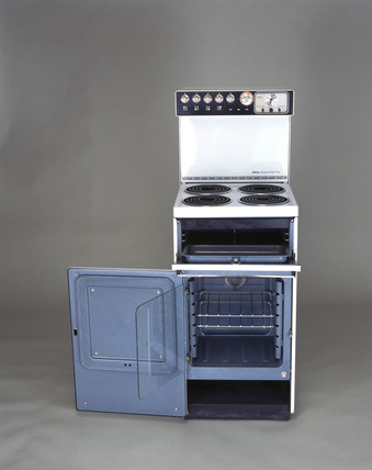 Belling Compact Super Four electric cooker, c 1970.