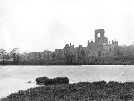 Kirkstall Abbey, Leeds, c 1900.