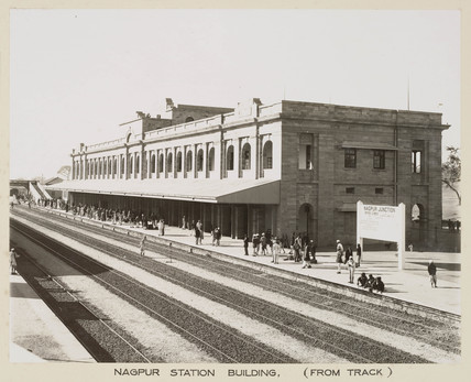 Platforms at Nagpur Junction, India, c 1930.