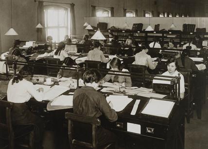 Women workers in a railway office, WWI, c 1916.