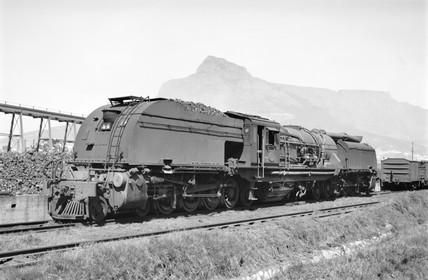 GEA locomotive at Paarden Eiland, South Africa, 1968.