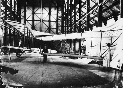 Cody aeroplane No1A whilst being converted to the 1B, 1908.
