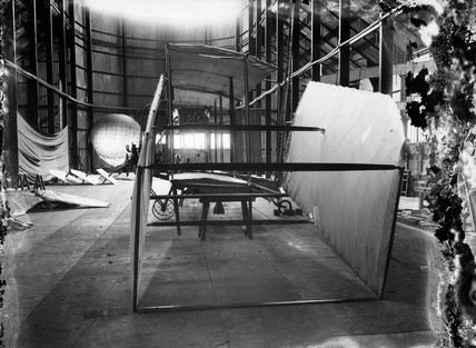 Cody aeroplane No1, at an early stage of wing erection, 1908.