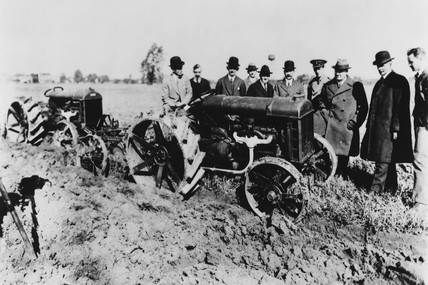 Henry Ford and Lord Northcliffe with Fordson tractor, Deerborn, USA, 1917.