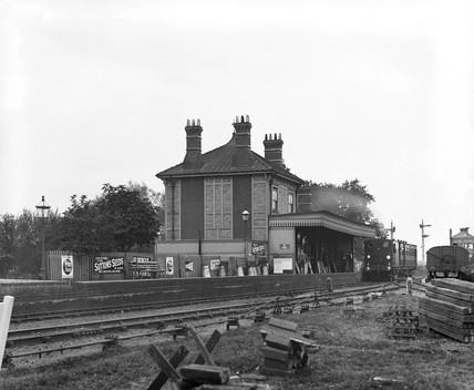 Waltham Station, 1907.