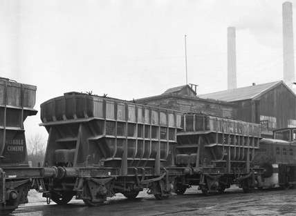 PresFlo cement wagons, c 1960.