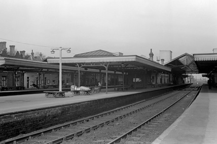 Bletchley station, 7 March 1953.