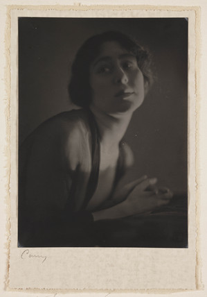 Female portrait, 1915.