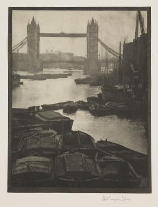 'Tower Bridge', 1910.