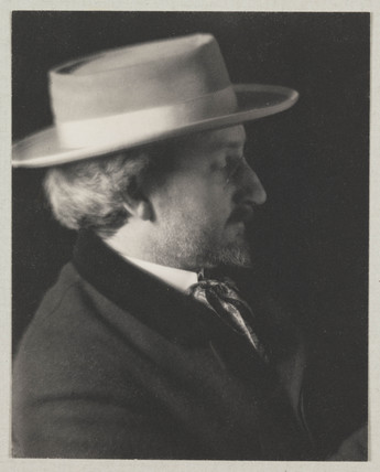 Portrait of F Holland Day, 1909.