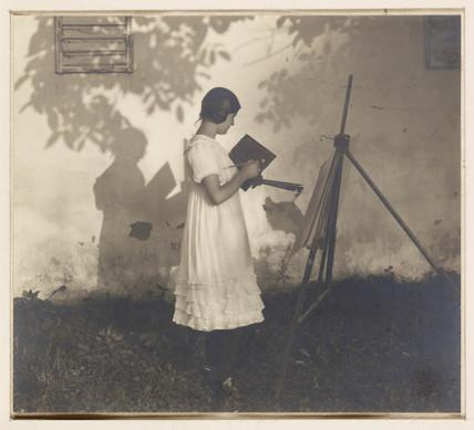 'Anella', c 1905.