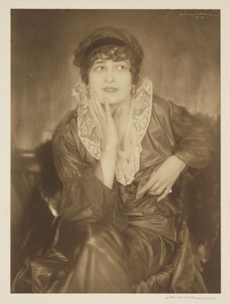 Portrait of a seated lady, 1914.