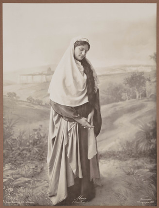 'Maria (Anna Flunger)', 1900.