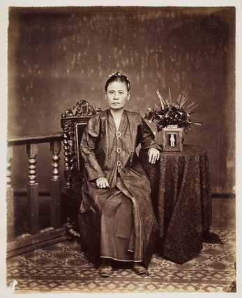 Malay woman, late 19th-early 20th century.