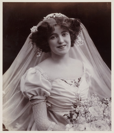 Edwardian portrait, woman in a bridal veil.