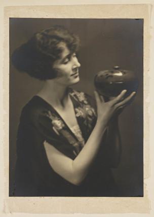 'Pandora' (Marjorie Horn).