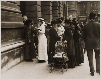 OPS outside War Office awaiting latest news of Declaration of war, August 1914.