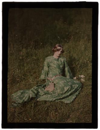 'Daydreams', c 1909.