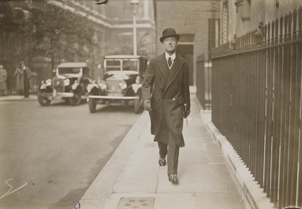 Lord Londonderry arriving at 10 Downing St, 28 September 1932.