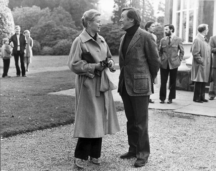 Princess Grace with Richard Pasco in Tatton Hall grounds, February 1980.