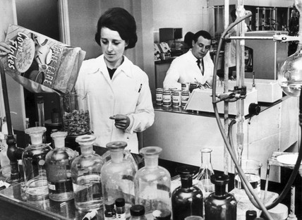 Food-testing laboratory, April 1967.