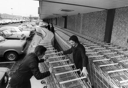 Trolleys at Tesco hypermarket, February 1976.