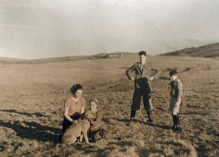 Marie and Brigitte Paneth in Scotland, c. 1933.