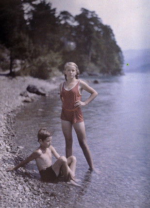The rocky beach, c 1920-1930.