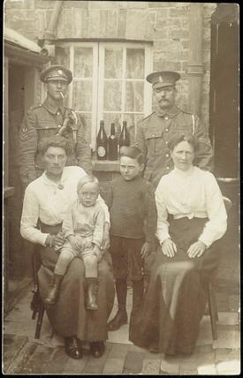 Family portrait, 1914-1918.