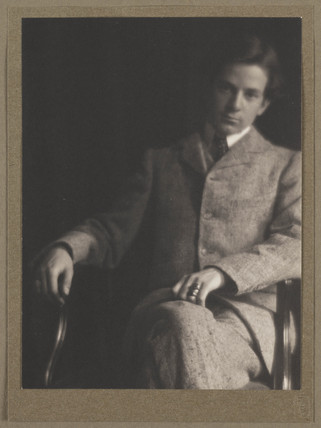 Alvin Langdon Coburn as a young man, c 1900.