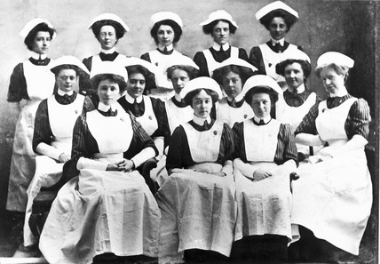 Nurses, late 19th-early 20th century.