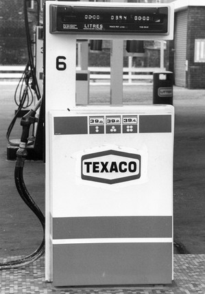 Texaco petrol pump, 1985.