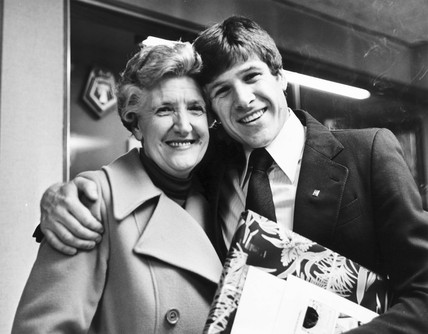 Emlyn Hughes, British footballer, with his mother, 1979.