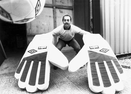Bruce Grobbelaar, Zimbabwean goalkeeper, 1987.