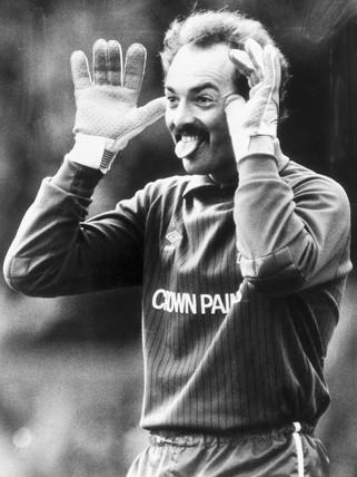 Bruce Grobbelaar, Zimbabwean goalkeeper, 1988.