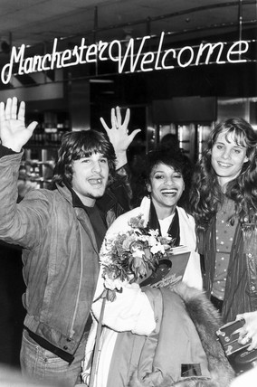 'Fame' performers arrive in Manchester, March 1983.