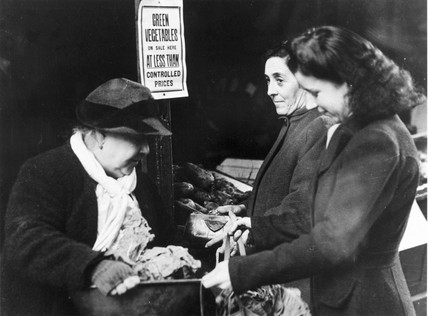 Women shopping for vegetables, 13 January 1943.