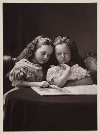 Maud and Ethel May Robinson, c. 1869.
