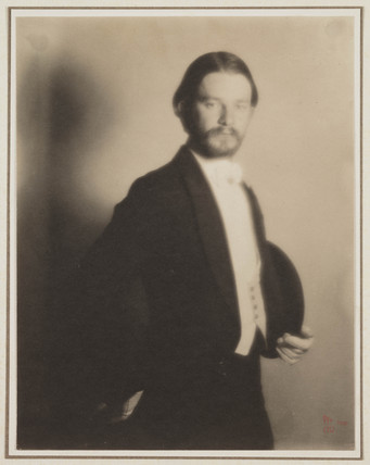 Portrait of Alvin Langdon Coburn', 1909.